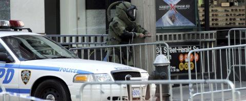 Detenido en Nueva York un hombre con una falsa bomba tras horas de tensión
