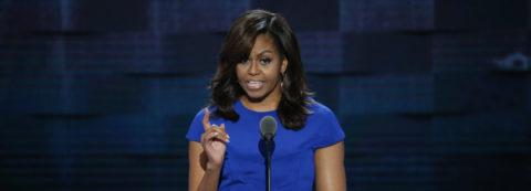 """Michelle Obama: elecciones son sobre quién """"definirá vidas de nuestros hijos"""""""