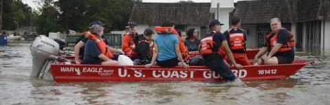Inundaciones de Luisiana dejan 9 muertos y diques desbordados