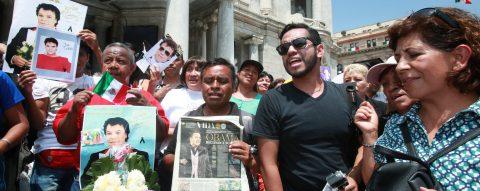 Juan Gabriel cremated, family tells Mexican officials
