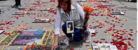 """Families ask that """"disappeared"""" not be forgotten in a Colombia at peace"""