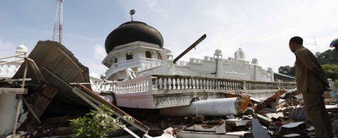 México se solidariza con Indonesia tras sismo que deja al menos 94 muertos