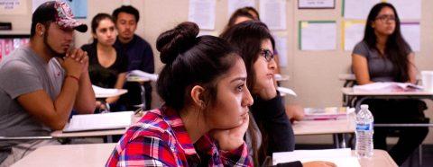 Universidad de EE.UU. ofrece beca para estudiantes indocumentados de DACA