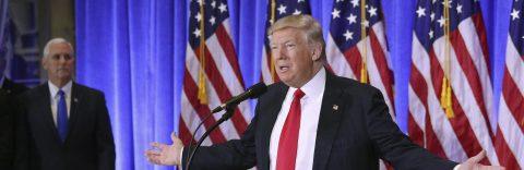 """Trump dice que """"nunca"""" tendrían que haberse filtrado informes de inteligencia"""