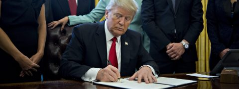Trump signs executive order drastically reducing government regulations