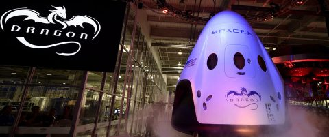 Two individuals plan to travel around the moon with SpaceX in 2018