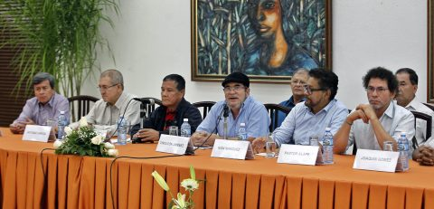 Raul Castro welcomes delegations of the Colombian guerrillas FARC, ELN