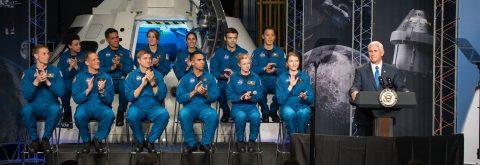 Salvadoran-American Frank Rubio among 12 new NASA astronaut candidates