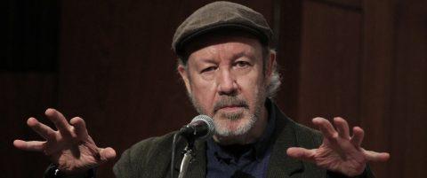El poeta mexicano Alberto Blanco recibe el Premio Xavier Villaurrutia 2016