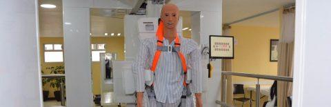 Ciudad de México presenta exoesqueleto robótico para rehabilitación