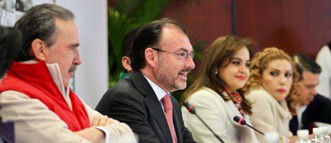 México evalúa presencia de agentes EE.UU. en vuelos y desliga decisión de TLCAN