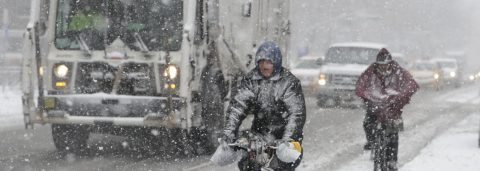 Heavy snowstorm kills 3 in New York, New Jersey