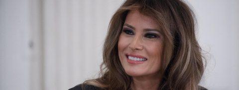 """Melania Trump rinde homenaje a diez mujeres """"valientes"""" de todo el mundo"""