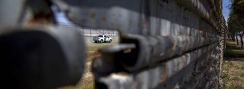 """Trump prepara el envío de """"entre 2.000 y 4.000"""" militares a la frontera"""