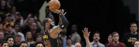 James helps Cavaliers to record 105-103 win against Raptors
