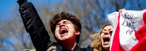 Jóvenes de Parkland piden a los políticos acción para acabar con las matanzas