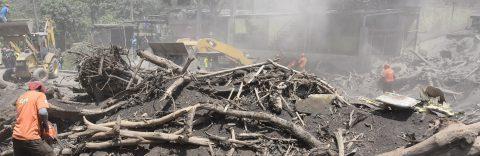 México envía un equipo medico a Guatemala ante emergencia en Volcán de Fuego
