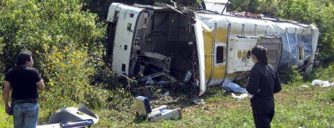 Siete muertos y 28 heridos al accidentarse un autobús en el oeste de México