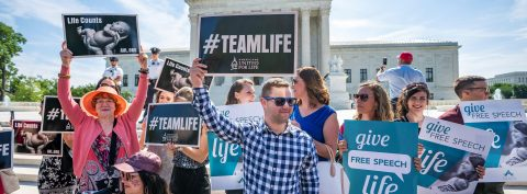 US Supreme Court rules in favor of anti-abortionists