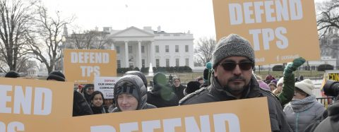 Una coalición de 18 estados apoya en EE.UU. frenar la deportación de beneficiarios del TPS