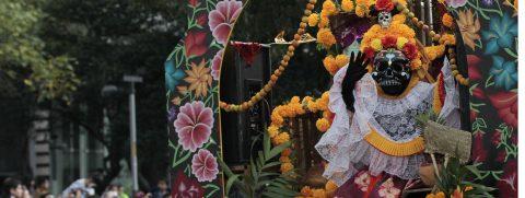 El pib, un tamal gigante y ancestral para recordar a los muertos en Yucatán