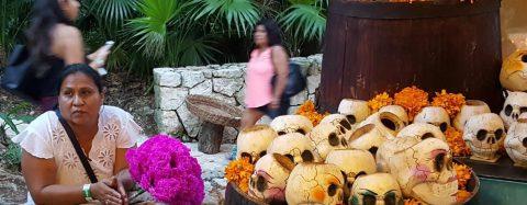 Grupo Xcaret celebra Día de Muertos con las tradiciones maya