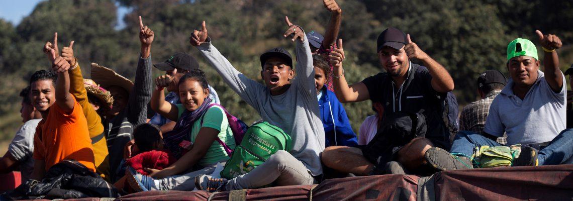 "Salvadoreños piden a Bukele ""hacer algo por su país"" en reunión con AMLO"