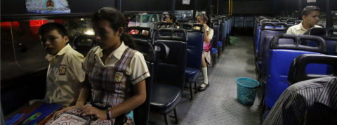 Venezuelan students cross border to attend classes in Colombia