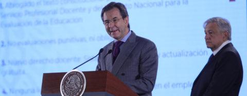 Mexican president seeks to reassure teachers on education bill
