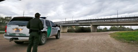 Trump amenaza de nuevo con cerrar la frontera con México