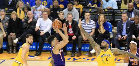 111-115. Los Suns, últimos en la tabla del Oeste, le ganan en casa a los campeones de la NBA