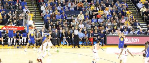Warriors vencen 120-114 a Cavaliers y Curry hace historia con 40 puntos