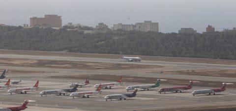 EE.UU. suspende de inmediato todos los vuelos con Venezuela
