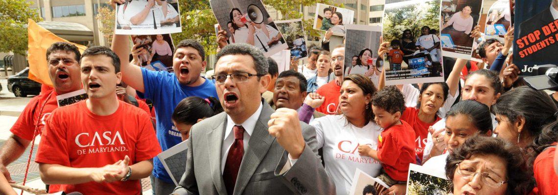 Corte federal en EE.UU. ratifica apoyo a programa para jóvenes indocumentados