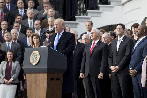 Trump se reconcilia con el Partido Republicano