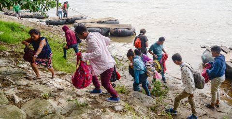 Entre la perseverancia y el miedo, migrantes siguen adentrándose en México