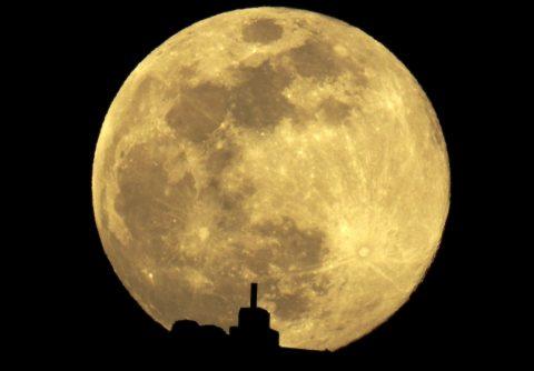 Retorno de humanos a la Luna en 2024 costaría $30M