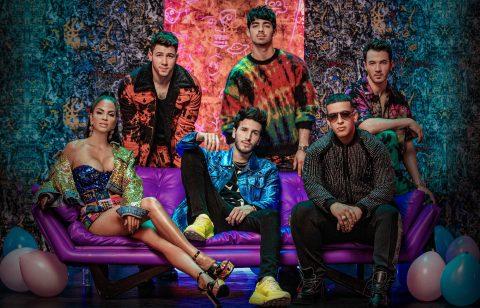 Jonas Brothers se apunta a cantar en español