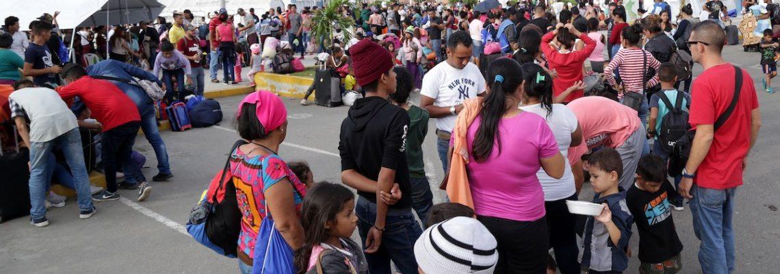 Ingresan a Perú los últimos 9 mil venezolanos sin visado.
