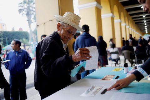 Comienza conteo de votos en Guatemala para elegir nuevo presidente