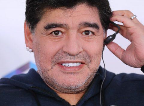 """Maradona desmiente a quienes dicen que se esta """"muriendo"""""""