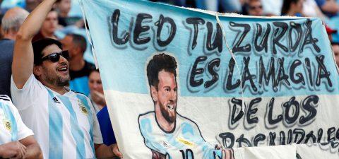 """Los """"Messiánicos"""" peregrinan en masa en espera de otro milagro para Argentina"""