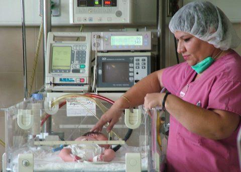 República Dominicana reduce índice de mortalidad neonatal y materna