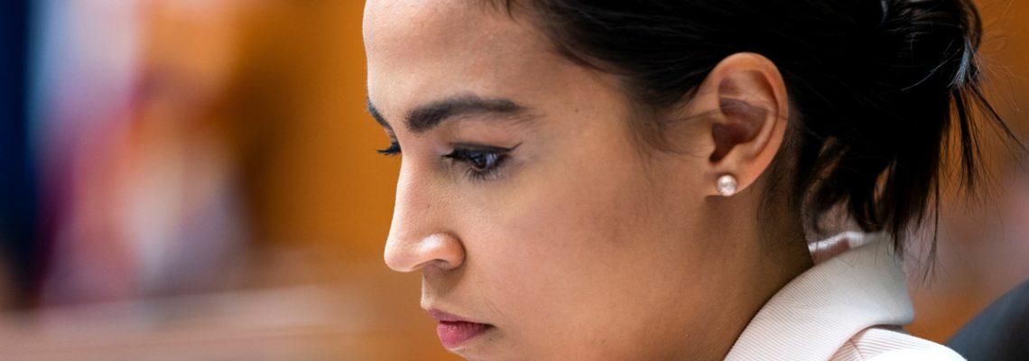 Ocasio agranda su influencia demócrata con victoria Cabán