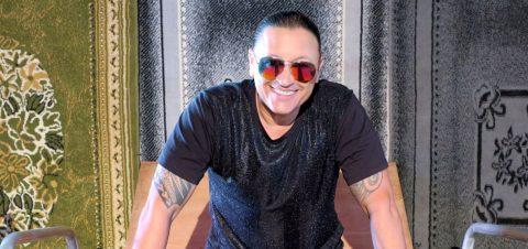 """Elvis Crespo prepara disco y promete mover a todos con """"Multitudes"""""""