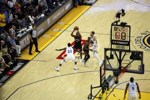 Raptors toman ventaja ante los Warriors y consiguen victoria