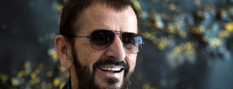 """Cerca de los 80, Ringo Starr sigue contento de haber nacido y de """"estar aquí"""""""