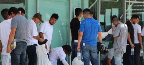 Detectan inusual cifra de deportaciones de EE.UU. a México previo a redadas