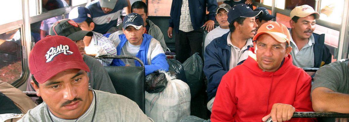 México deporta 106 migrantes hondureños desde el estado de Veracruz