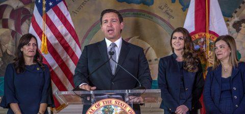 Demandan a gobernador de Florida por severa ley antiinmigrante